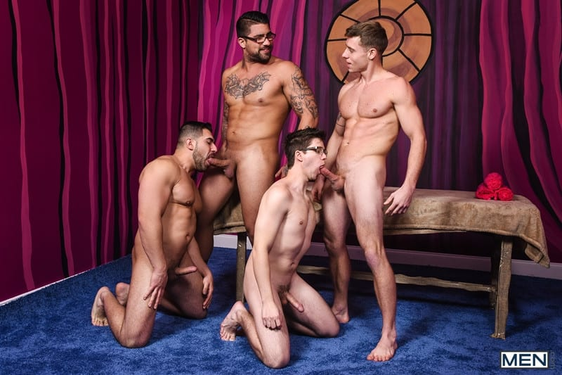 Men for Men Blog Gay-Porn-Pics-008-Damien-Stone-Justin-Matthews-Ryan-Bones-Will-Braun-Muscle-bound-stud-hardcore-ass-fucking-orgy-Men Muscle bound stud Damien Stone, Justin Matthews, Ryan Bones and Will Braun hardcore ass fucking orgy Men