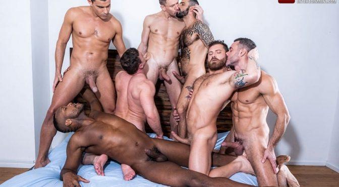 Alexander Volkov, Andre Donovan, Andrey Vic, Edji Da Silva, Manuel Skye, Rafael Carreras gay bareback orgy