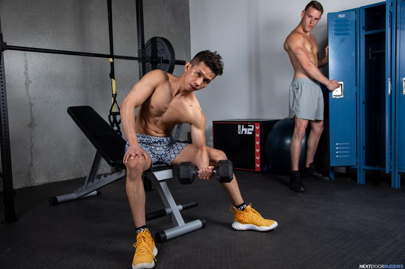 Gym studs ripped muscle dude Shane Cook huge thick dick bareback fucking young Asian Levy Foxx 7 gay porn pics - Gym studs ripped muscle dude Shane Cook's huge thick dick bareback fucking young Asian Levy Foxx